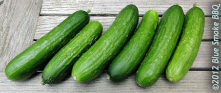 Recept voor komkommer salade met sesamzaad spaanse peper en cilantro - De komkommers ...